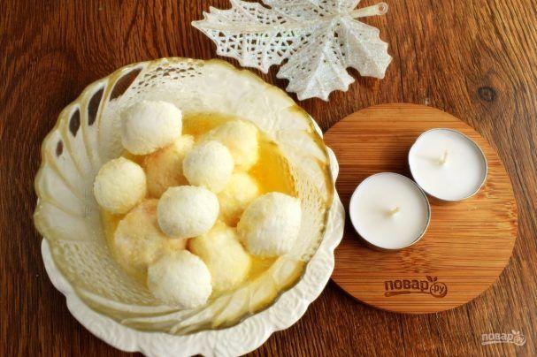 """Блюдо """"Расгулла"""" подают в Индии туристам почти в каждом ресторане как изысканный десерт. Раскусив его, у вас во рту происходит маленький сладкий взрыв. Хотите узнать, как приготовить """"Расгулла"""" до…"""