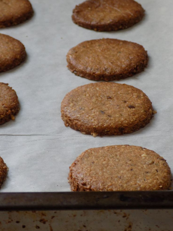 Homemade Digestive Cookies – Σπιτικά Μπισκότα Digestive http://www.thehealthycook.gr/homemade-digestive-cookies-%cf%83%cf%80%ce%b9%cf%84%ce%b9%ce%ba%ce%ac-%ce%bc%cf%80%ce%b9%cf%83%ce%ba%cf%8c%cf%84%ce%b1-digestive/