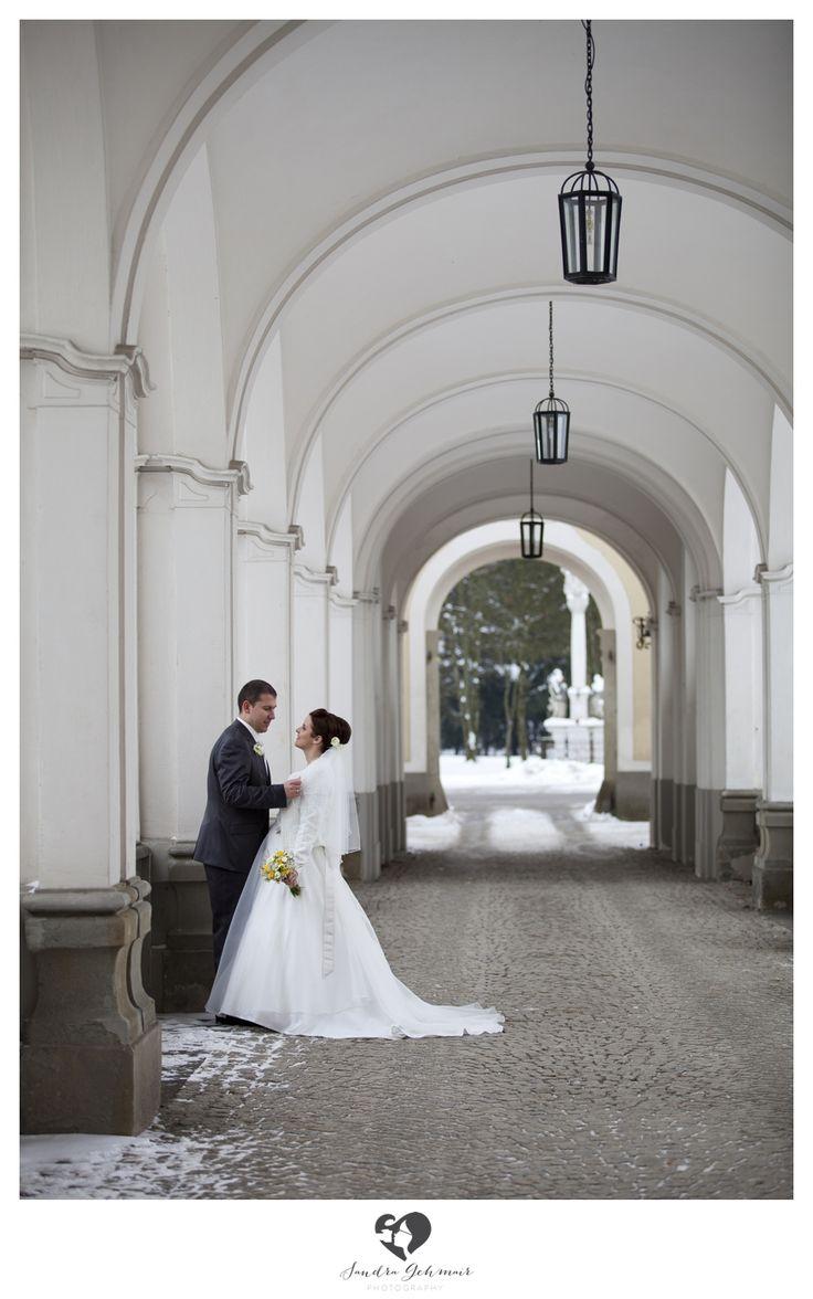 #outdoor #outdoorlocation #location  #photography #fotografie  #linz #wels #steyr #groom #bride #braut #braeutigam #weddingdress #smoking #anzug
