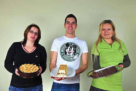 Nepečené dorty vypadaly lákavě a soutěžící odhodlaně