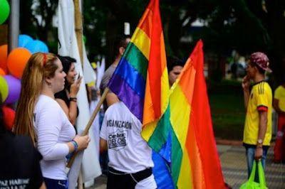La homofobia y transfobia siguen matando. Le seguimos fallando a la promesa constitucional de que en Colombia cabe la diversidad. Editorial | El Espectador, 2016-10-16 http://www.elespectador.com/opinion/editorial/homofobia-y-transfobia-siguen-matando-articulo-660737