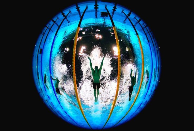 [picture] Michael Phelps seen by the London 2012 #Olympics pool fisheye cam (@L2012PoolCam)