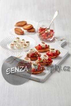Bruschetty s rajčatovou salsou a sýrem Tartare