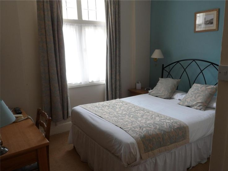 £115 Quietly situated in one of Cirencester's oldest streets, this delightful, privately owned hotel and restaurant is just 5 minutes' walk from the town...