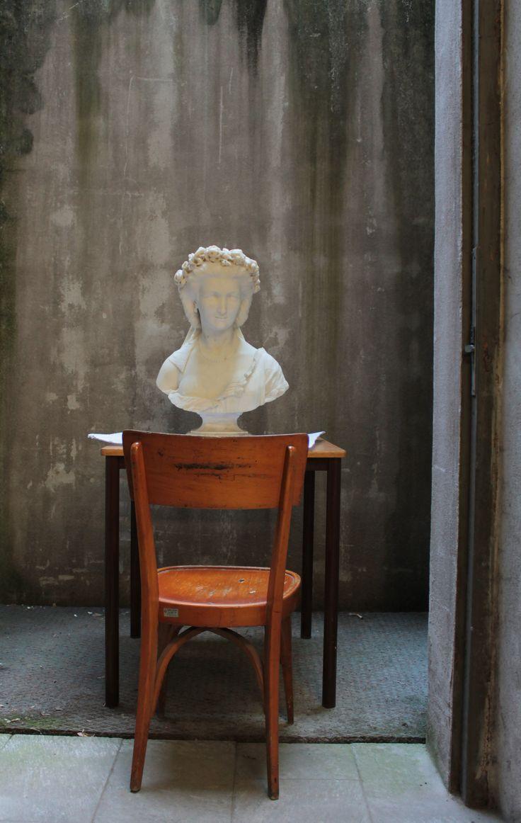 """#SottoSopra in #GAMMilano Opera d'Arte vi porterà ogni #weekend, fino al 19 marzo, nei #depositi del #museo, dove il nostro atelier di #restauro sta operando su delle meravigliose #sculture, alcune delle quali andranno a far parte delle futura mostra """"100 anni"""", in GAM Milano dal 23 febbraio 2017.   Per prenotazioni: c.galleriadartemoderna@operadartemilano.it  tel. 02 88445947 (lun-ven 9.00-13.00) tel. 02 45487400 (lun-ven 9.00-17.00) Info: www.operadartemilano.it Ph. @Marilenza Anzani"""