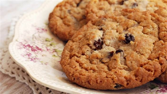 Healthy Oatmeal Raisin Cookies From Joy Bauer on Today - Only 50 calories each!  I usually use Truvia baking blend to substitute white sugar, but there are a couple of things about this recipe I like, & the flavor would be a bit different.  Would like to try these.