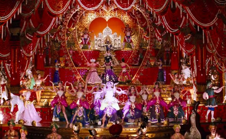 Le Luxe Mannequin: The Moulin Rouge - Movie by Baz Luhrmann