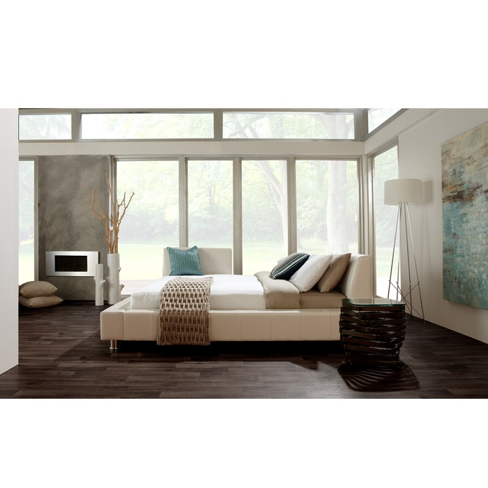 Versa leather queen bed beds bedroom urban style for Mobilia bedroom
