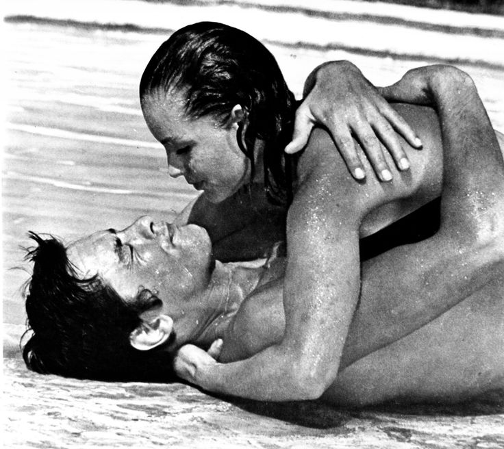 86 best images about la piscine 1969 on pinterest for Alain delon romy schneider la piscine