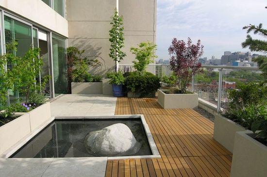 Terrasse de toit avec un tang jardin garden pinterest terrace beaut - Petite table de terrasse ...