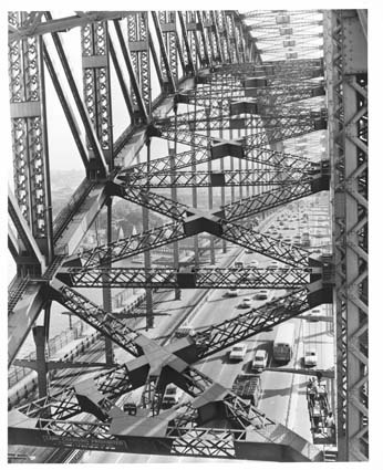 Mid-afternoon traffic on Harbour Bridge, 1968. Photo by B and P Photographic.