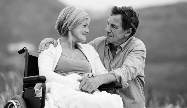 A rákos asszony aggódott, hogy halála után férje újra megnősül. Rákérdezett. Aztán könnyekben tört ki, amikor meghallotta a választ.