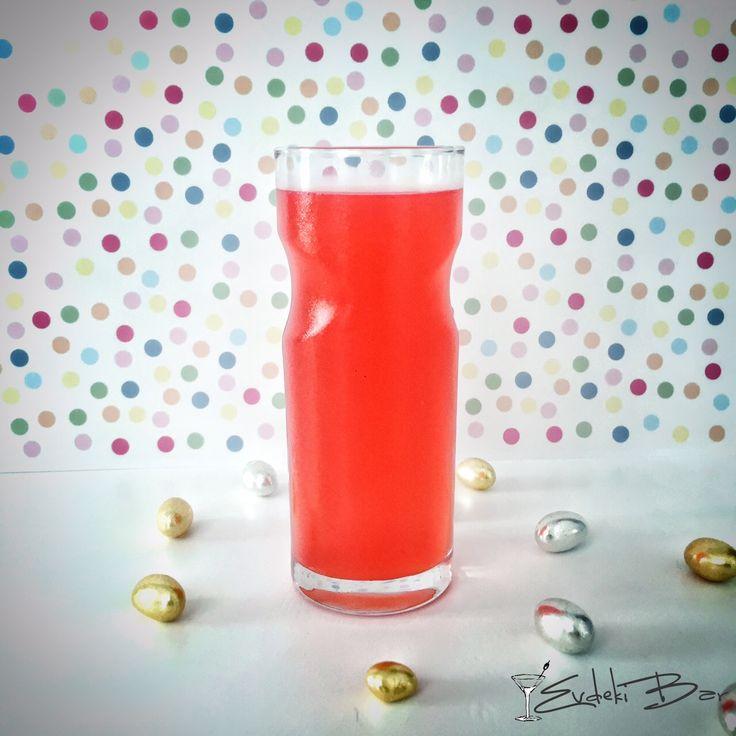 Burgaz'ın Aşkı rakı, grenadine, limon suyu, elma suyu #booze #love #cocktail #kokteyl #rakı #raki #mixology #mixologist #bartender #red #delicious #drink #yummy #recipe #tarif #kırmızı #grenadine #lemon #apple #elma #limon #içki