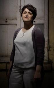 Portrait :: Letitia Gherhes :: Psycho-socio-esthéticienne > Témoignage : http://adie.pourunmondequichange.com/2012/11/12/exposition-les-audacieux-avec-un-microcredit-letitia-a-change-de-metier-et-devenir-psycho-socio-estheticienne #LesAudacieux © Alex Majoli / Magnum Photos / BNP Paribas / Adie
