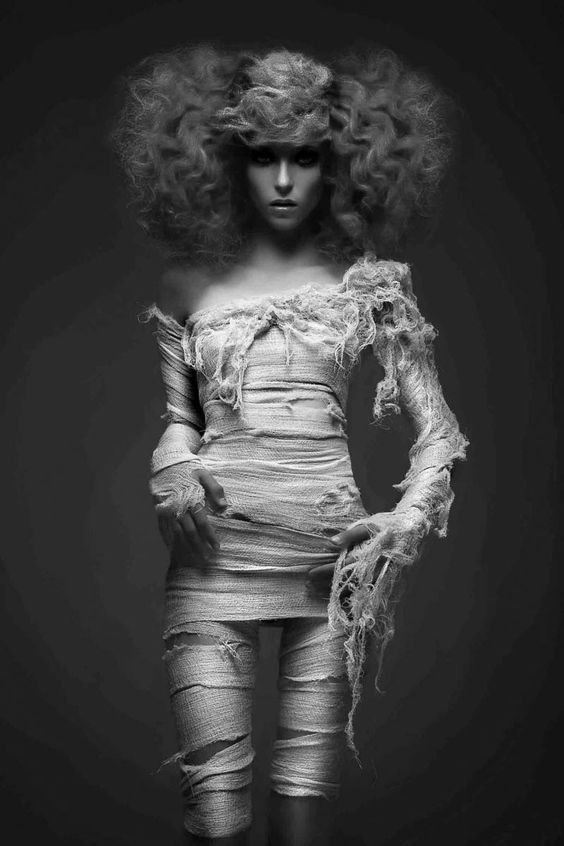 Ideas & Accessories for your DIY Mummy Halloween Costume Idea