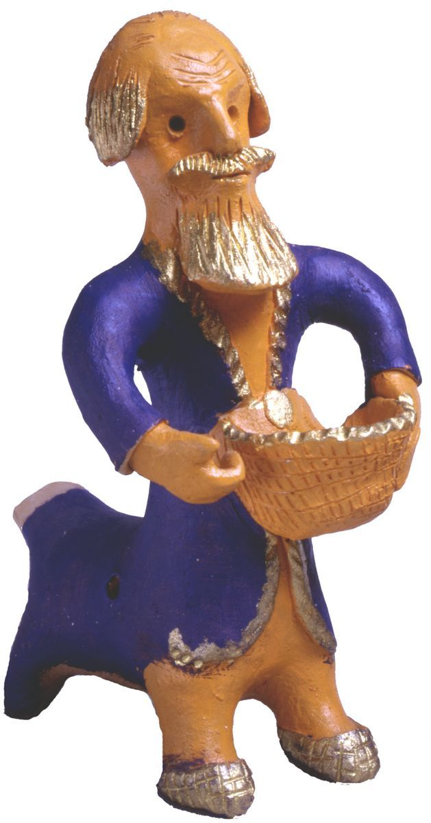 В селе Абашеве Пензенской области в XXвеке на смену прежним поливным свистулькам пришли также расписные игрушки. В 1970–1980-егоды здесь работал выдающийся мастер Т.Н.Зоткин, обогативший и состав персонажей, и роспись яркими эмалевыми красками глубокого тона. Среди фигурок много сказочных образов зверей и птиц, необычных героев собственного сочинения.