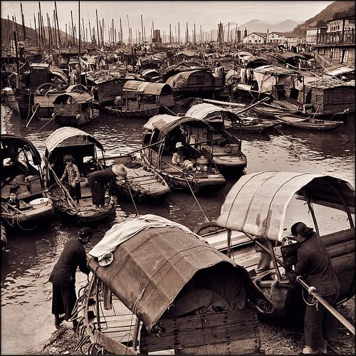 Fisher Families With Junks In Aberdeen Harbor, Hong Kong Island [c1946] Hedda Morrison [RESTORED] by ralphrepo, via Flickr