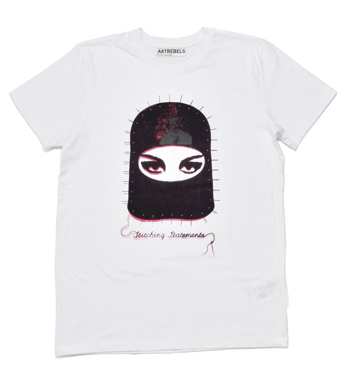 The 100% organic cotton 'Stitchting Statements' t-shirts were created as a tribute to Vivienne Westwood who is the punk queen of fashion and a fighter for global issues.  The 'Stitching Statements', a special edition of the ArtRebels logo, is handprinted by the rebels themselves and comes in different editions, sizes and colours.  The logo is printed over Vivienne Westwood's portrait so only the wearer knows it exists. Sustainable fashion doesn't have to be obvious.  The t-shirts are ...