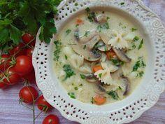 RADOŚĆ KIPIĄCA UŚMIECHEM.: Zupa pieczarkowa z makaronem.