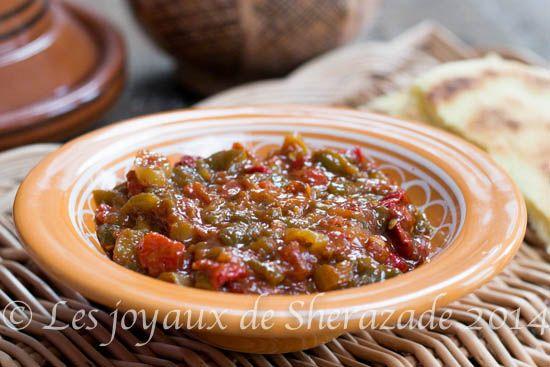 Voilà comment préparer un bon hmiss algérien, une sorte de salade de poivrons grillés. Présent à tous les tables, le hmiss algérien est très apprécié