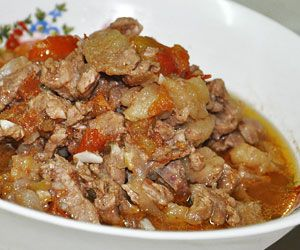Kinamatisang baka recipe or beef tomato recipe is a another simple tomato-based dish that's common in northern part of Luzon. This dish consisting of lean beef in tomatoes with some spices.
