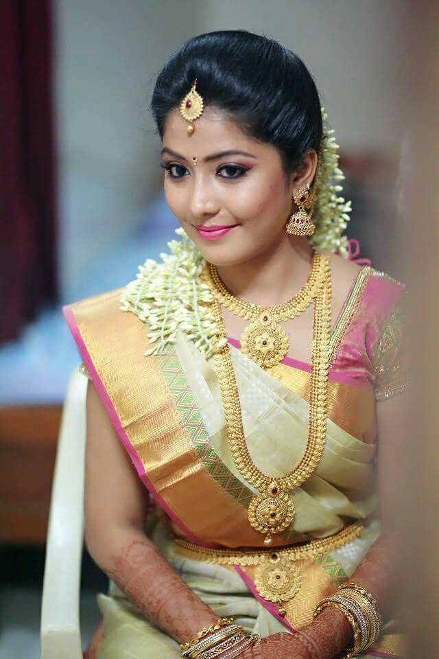 South Indian Bride South Indian Bride Hairstyle South Indian Wedding Hairstyles Indian Bridal Hairstyles