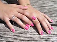 Que vaut un vernis a ongles naturel , un vernis bio par rapport à un vernis a ongle traditionnel : 1ère partie de la comparaison