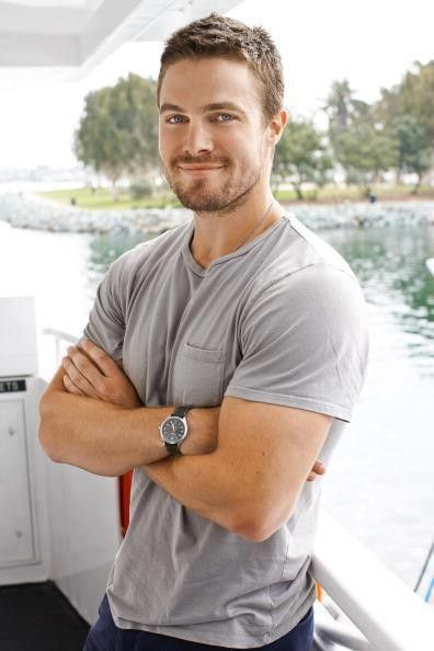 'Fifty Shades' Movie, Christian Grey: Stephen Amell Dishes 'Meeting' to Fans -- Major Casting Scoop? - Entertainment & Stars