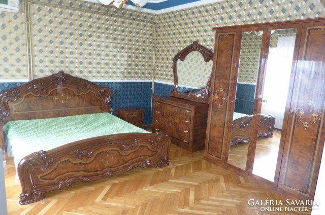 Neobarokk stil hálószoba.