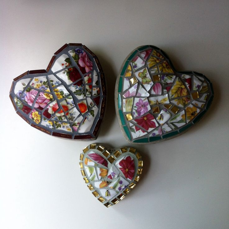 Floral vintage china garden hearts made by me - Fickle Nellie. Available online at www.etsy.shop/ficklenellie