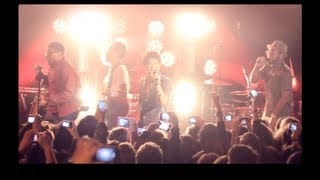 Bruno Mars - Locked out of Heaven [Live in Paris], via YouTube.