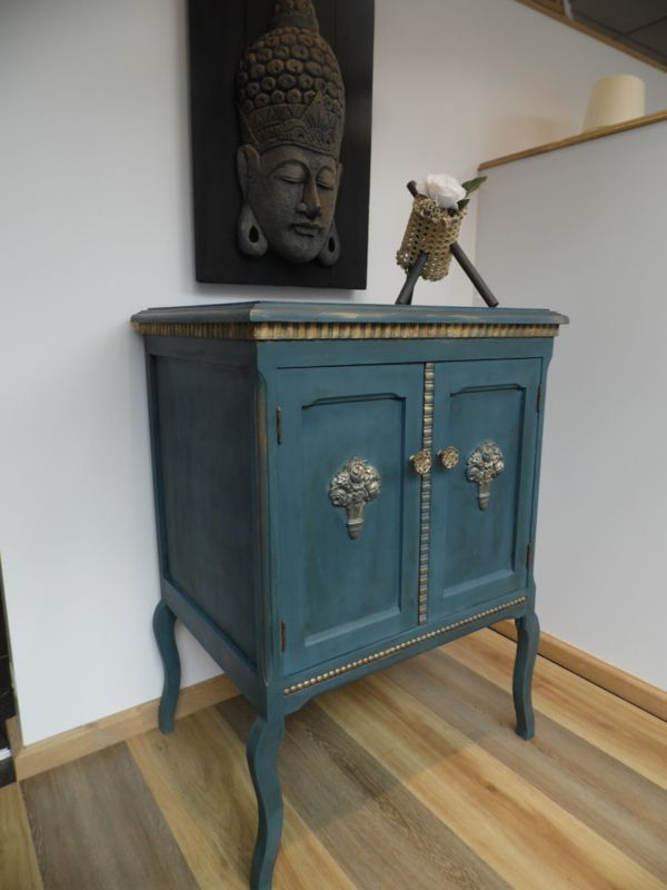 Antiek Kastje Restyle Blauw Met Goud Patine Sold Ab Wooddesign