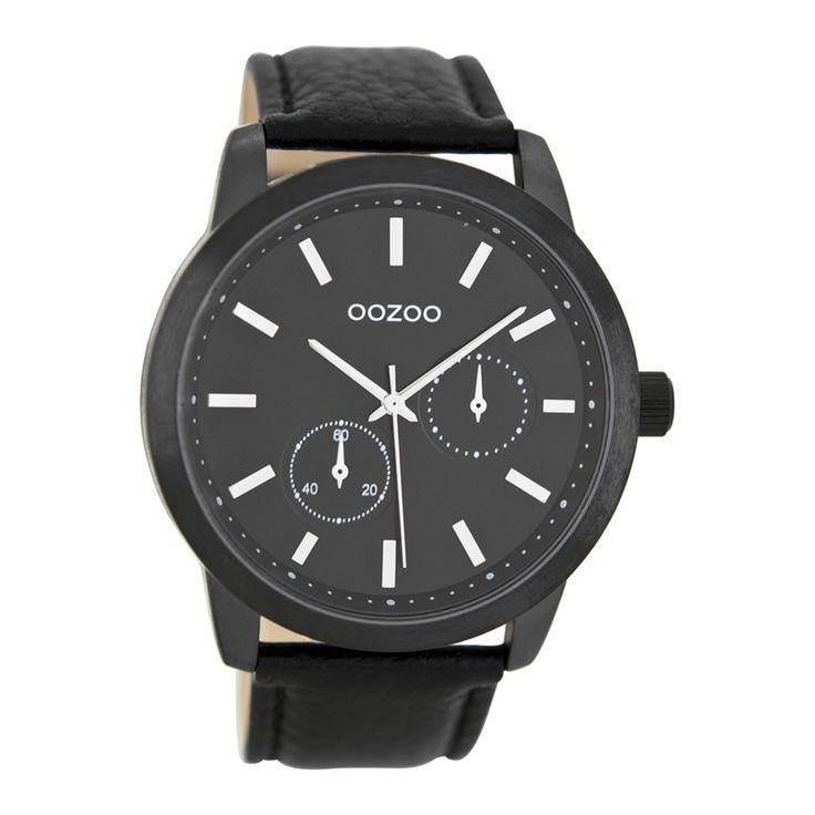 Koop dit OOZOO Timepieces Zwart Horloge C8579 horloge online in onze webwinkel. Dit is een heren horloge met een quartz uurwerk. De kleur van de kast is zwart en de kleur van het uurwerk is zwart. De kast is gemaakt van rvs en de band van het horloge van leer. Wij zijn officieel dealer van OOZOO horloges. Je ontvangt dus ook de standaard fabrieksgarantie van...