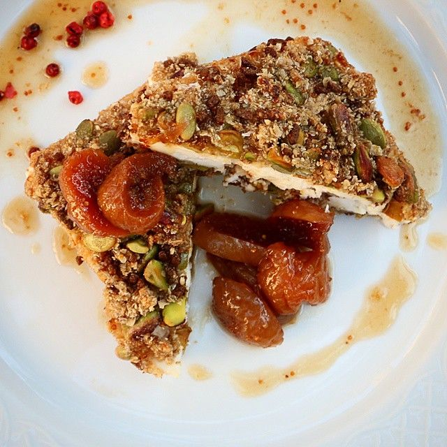 Pistachio crusted, feta cheese with fig jelly and red peppercorns! #AlanaRestaurant #SeenAtAlana #Gastronomy #Crete #RethymnoPhoto credits: @kearnelmustard80