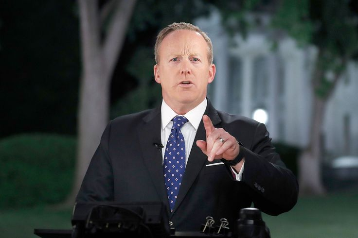 Sean Spicer 'Bush Ornaments' Are Now a Thing
