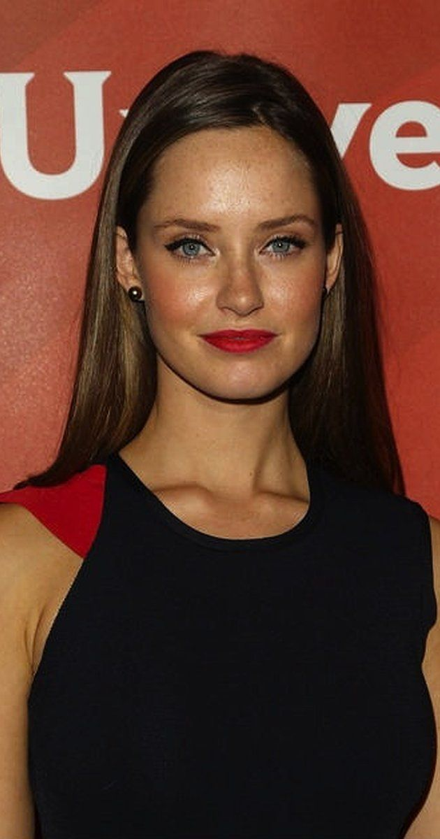 Pictures & Photos of Merritt Patterson - IMDb