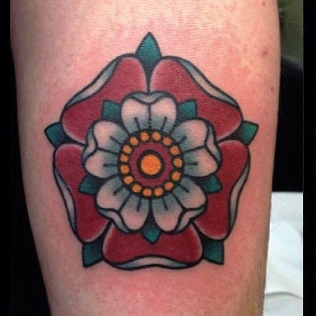 Tudor rose by @Jean Roux —- #tattoo #tattoos #london #uk #blackgardentattoo #blackgarden #coventgarden #drurylane #ink #tattooartist ...