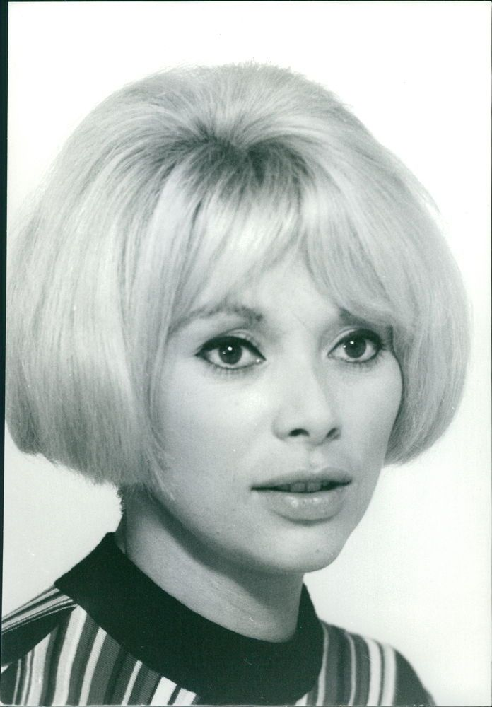 Mireille Darc Nude Photos 85