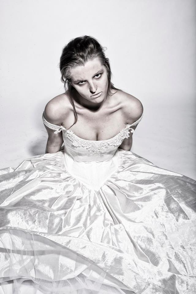 Fotograaf; Robert van Ingen Model; Mimi VerLoren van Themaat MUA: Laura Kolk Styliste; Noor Heynen