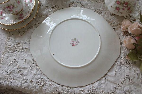 """「イギリスアンティーク パラゴン""""Victoriana Rose"""" サンドイッチ/ケーキプレート」ココン・フワット Coconfouato [アンティーク&雑貨] フレンチアンティーク キャニスターセット ホーロー 陶器 テーブルウェア --kitchen--"""