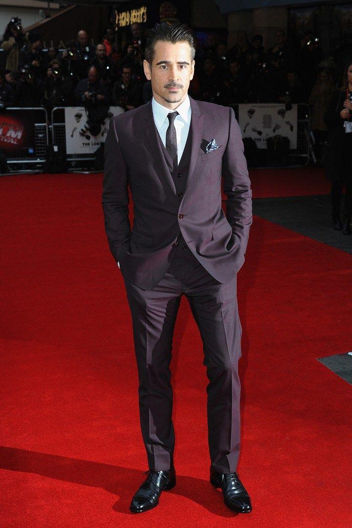 Colin Farrell Apostando no traje de três peças todo do mesmo tom, Colin mais uma vez provou que sabe se virar muito bem na frente do espelho. Destaque para o lenço no bolso e o sempre perfeito topete.