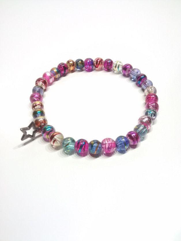 Armband Glasperlen ca 18cm mehrfarbig mit Anhänger