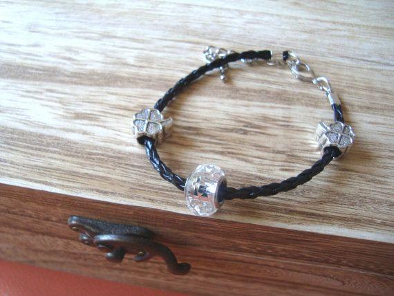 Lucky bracelet clovers transparent bead valentine's by BiancasArt