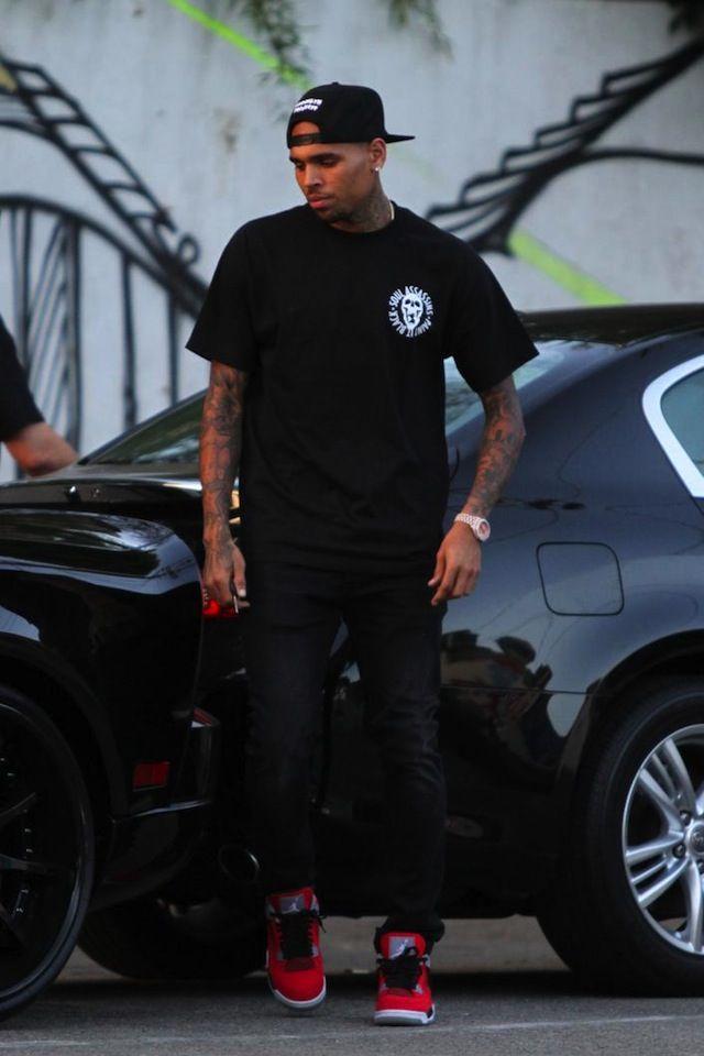 #ChrisBrown wearing #AirJordan IV « Toro » God Damn you look soooo good in this picture
