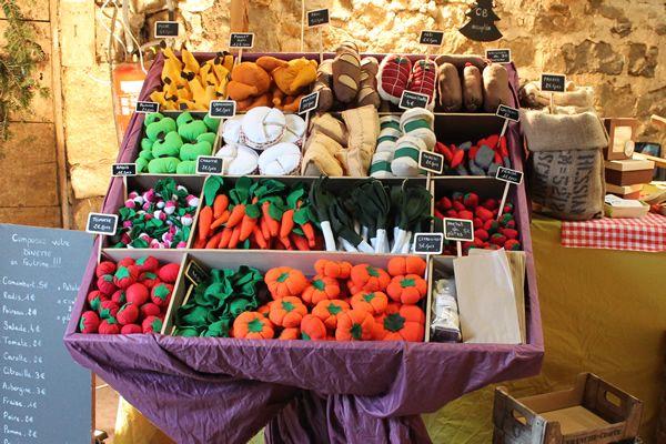 Etalage des fruits et légumes en feutrine  : composez votre dinette !!