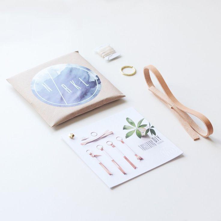 Lav selv flot DIY nøglering i naturlæder og messing. Fire smukke designs at vælge imellem. Skab din egen unikke nøglering. Nordisk design og oplevelse i ét.    Accessory, Women Fashion, Men, Young Decor, Leather, Twine, Brass, Keyhanger, Key hanger, Keychain, Key Chain Nordic Design, DIY, Do it yourself, Nørkl, Norkl