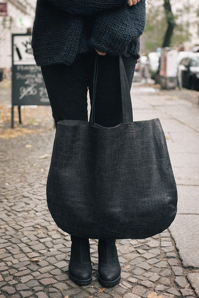 Handtassen - Black Crock Oversized Leather Hobo Bag  - Een uniek product van Patkas_ op DaWanda W 52 cm x H 46 cm.(20,47 in 18,11 in )