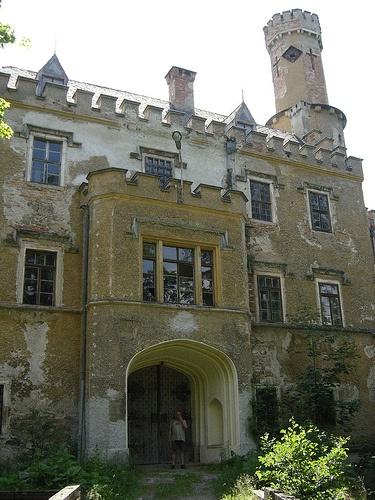 Karpniki Palace, Lesser Silesia