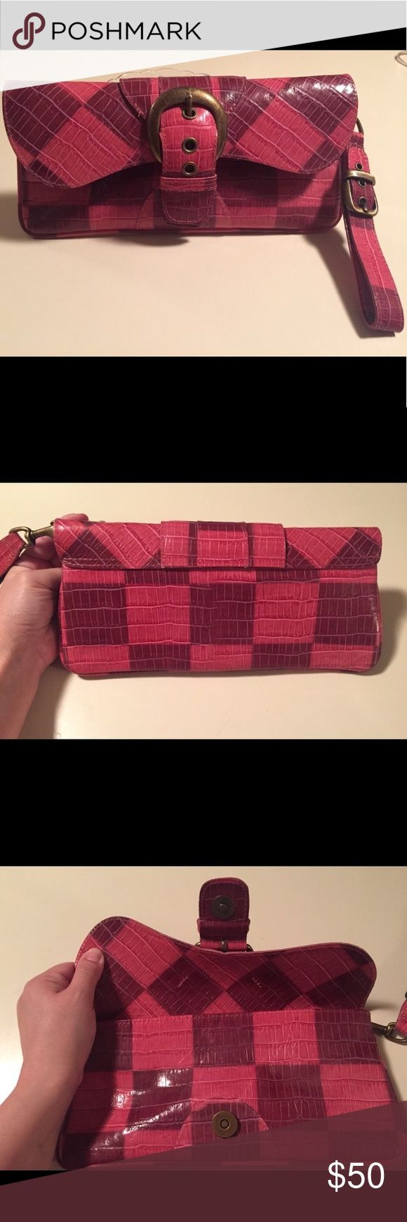 Isabella Fiore all leather wristlet Brand new Isabella Fiore clutch with detachable wristlet has never been used! 10inches long and 5 inches tall, perfect to dress up or down. All leather and very study! Perfect brand new condition 😊 Isabella Fiore Bags Clutches & Wristlets