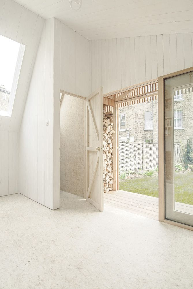 Stained OSB Floor Writer's Shed / WSD Architecture